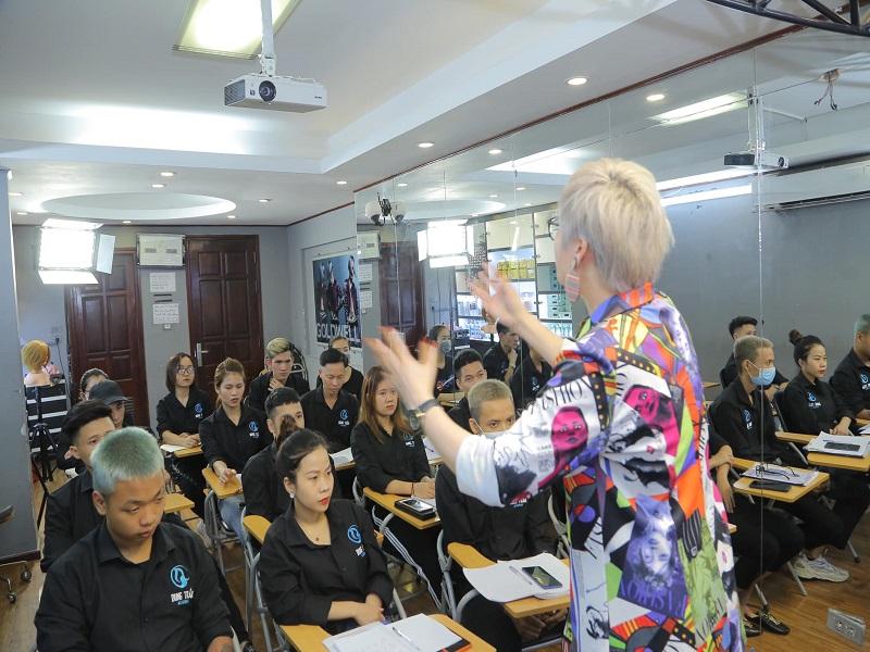 Tại sao nên theo học nghề tóc chuyên nghiệp?
